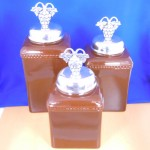 60003-BROWN-GRAPE-SIL CERAMIC LARGE BROWN CANISTER SET W / SILVER GRAPE LIDS